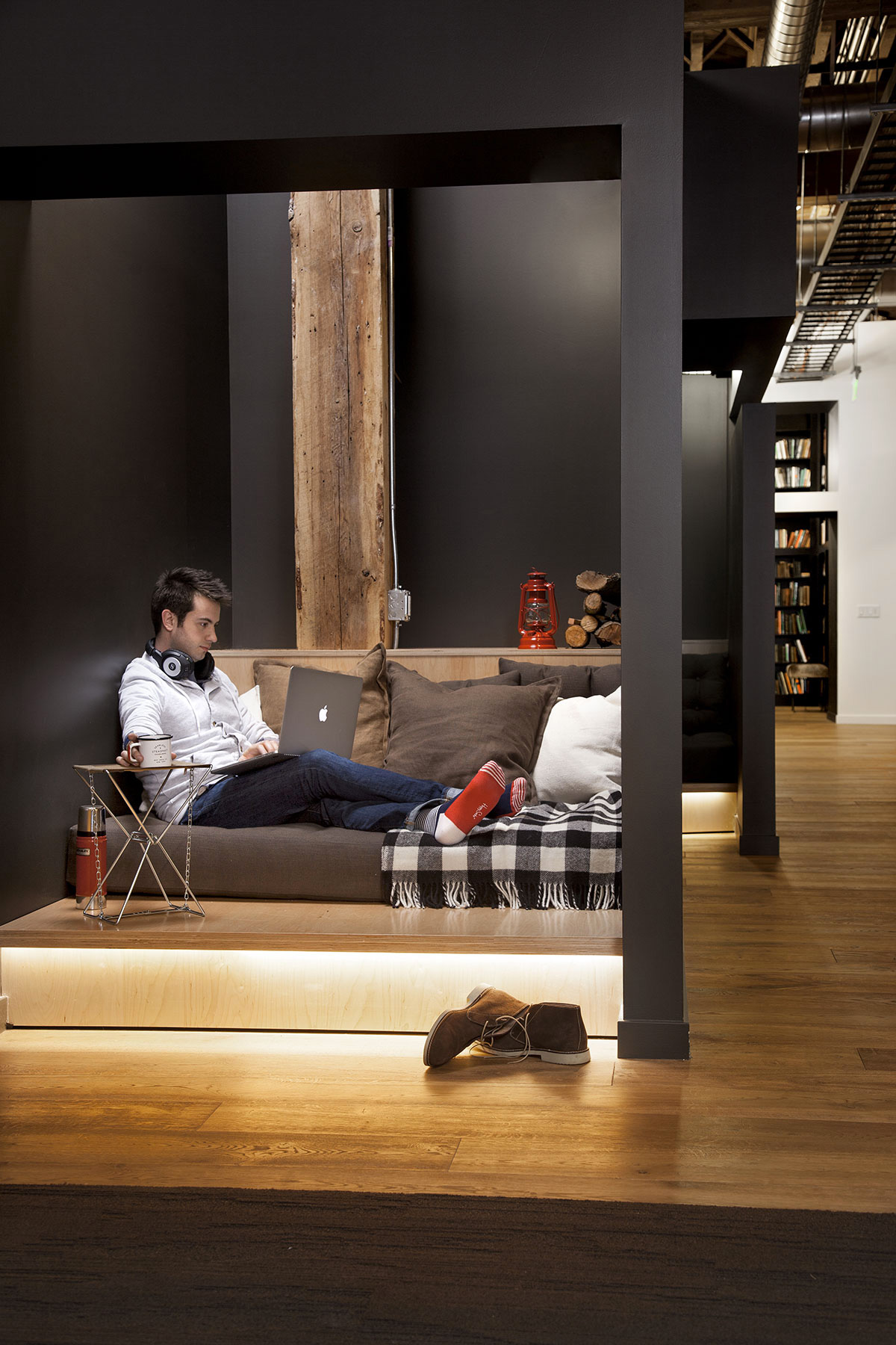 A Look At Breakout Space Design In Open Office Layouts Robin